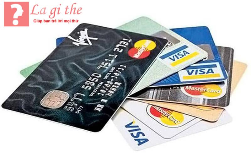 Mỗi ngân hàng sẽ phát hành thẻ tín dụng riêng