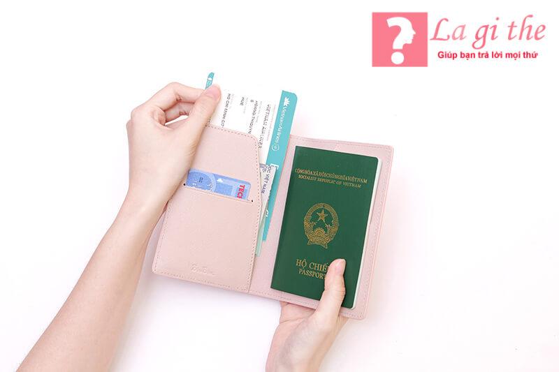 Hộ chiếu chính là giấy tùy thân khi ra nước ngoài